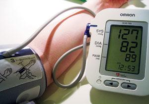 đo huyết áp bắp tay